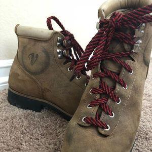 Vintage Vasque Cowhide Vibram Hiking boots